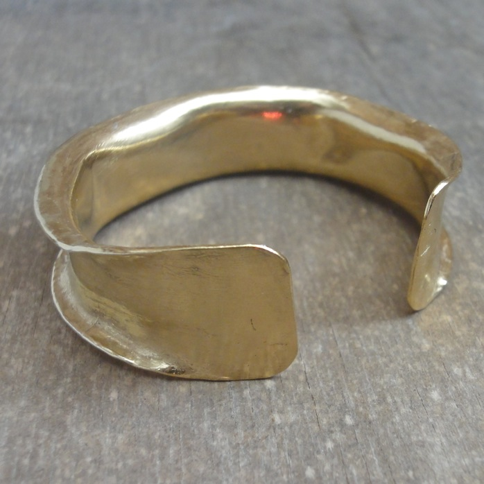 Big gold-plated bracelet – Yemen