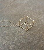 Gold cube necklace – Berlin