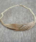 Enchanting gold bracelet